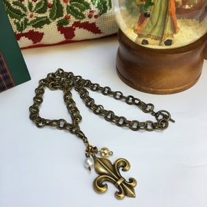 Necklace Antique Gold Fleur de Lis