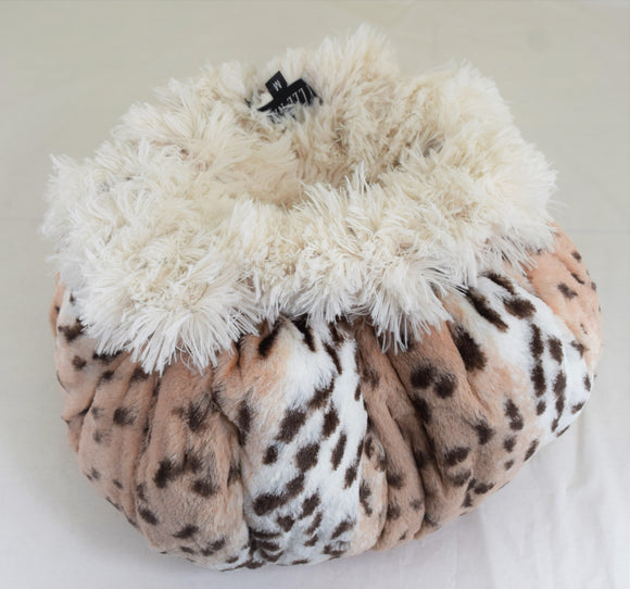 Snow Leopard & Cream Shag Swaddle Bed