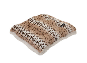 Snow Leopard with Cream Shag Pillow Bed
