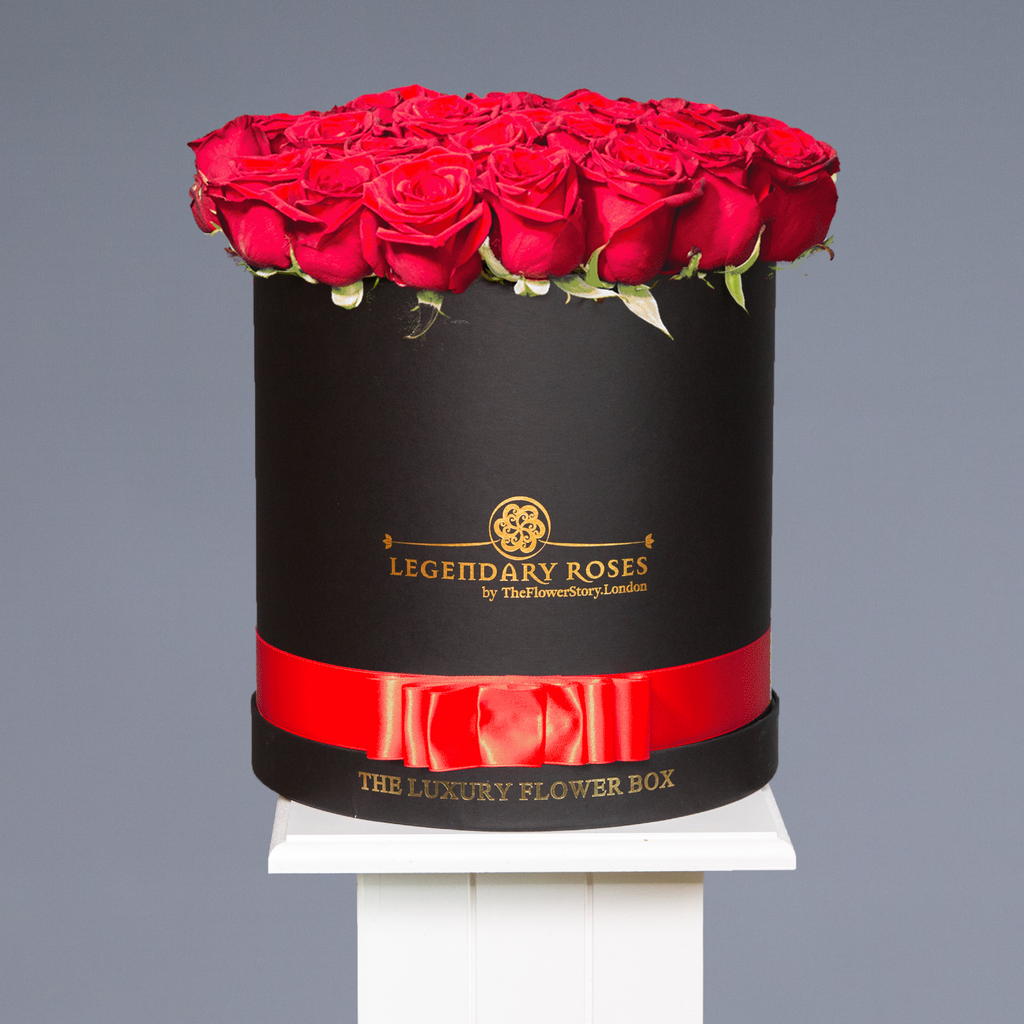 Pure Love | Large Round Black Box - Legendary Roses