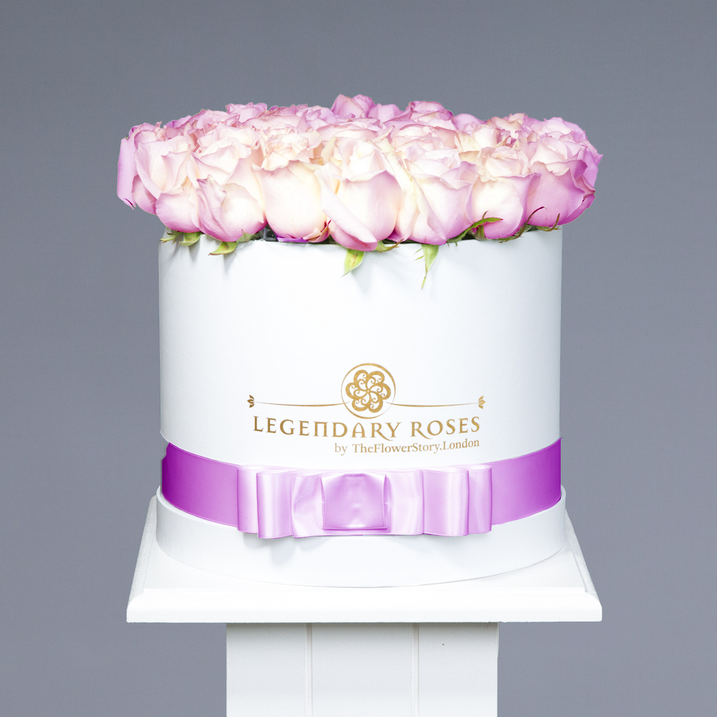 Dancing Clouds | Medium Round White Box - Legendary Roses