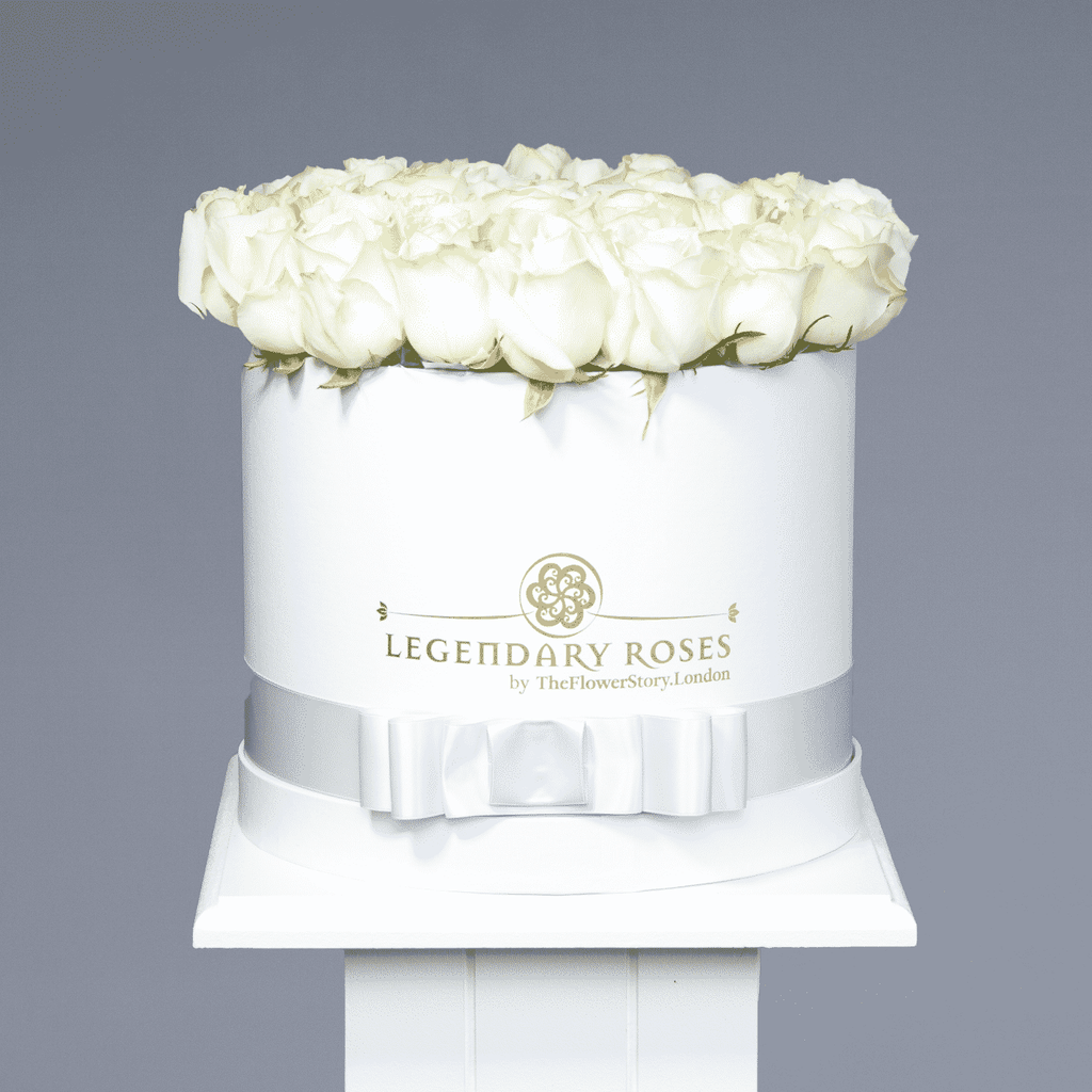 Avelanche | Medium Round White Box - Legendary Roses