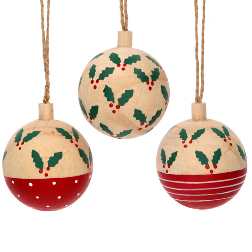 Gisela Graham Wooden Bauble with Holly Decoration
