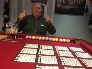 elderly man playing bingo