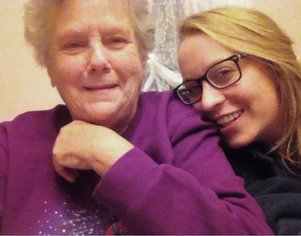 woman with grandmother with dementia