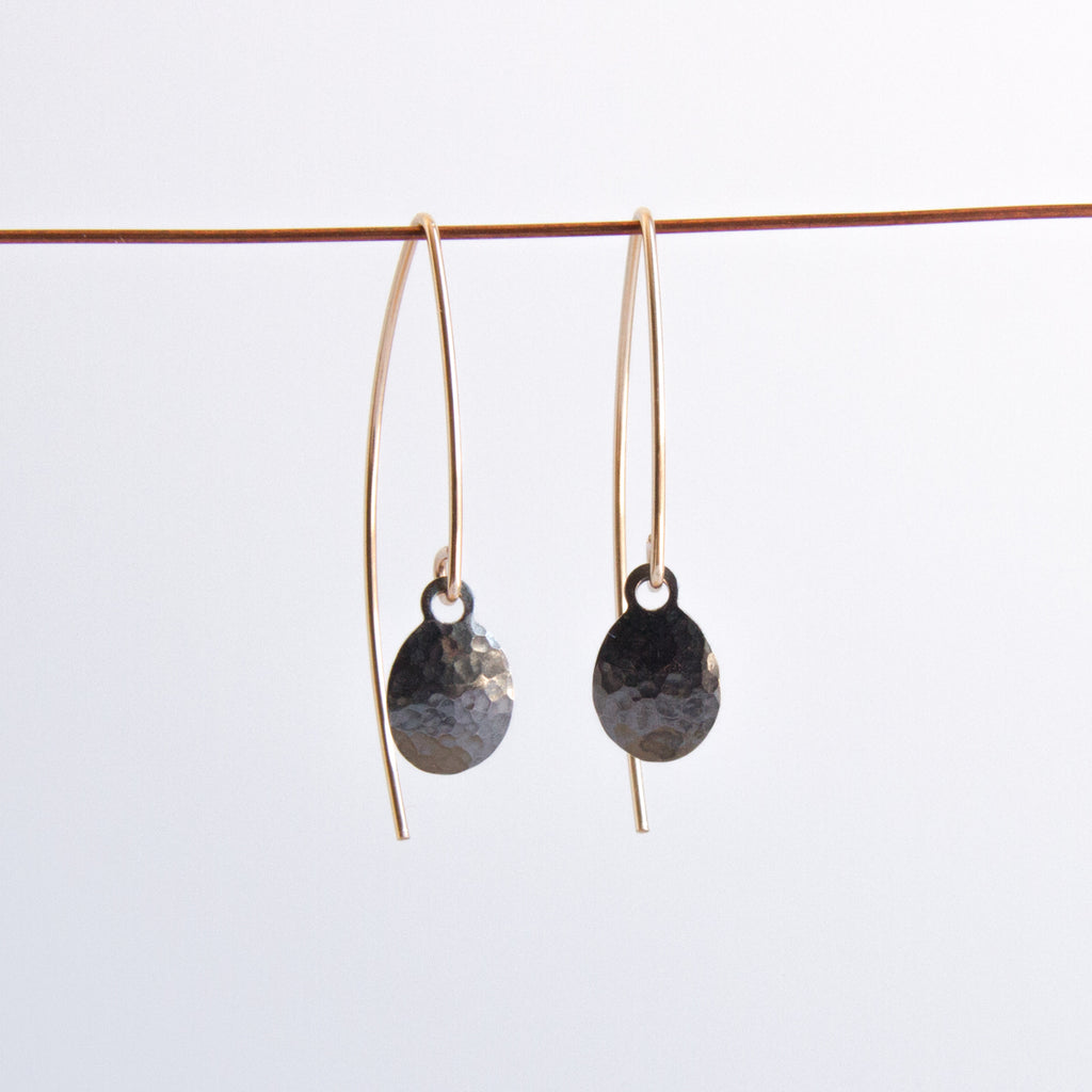 Minimal boho earrings in oxidized silver by Sol Proaño