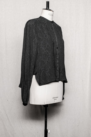 SAMPLE - BLOUSE LONG SLEEVES CONCEALED BUTTONS - jacquard satin snake black/grey