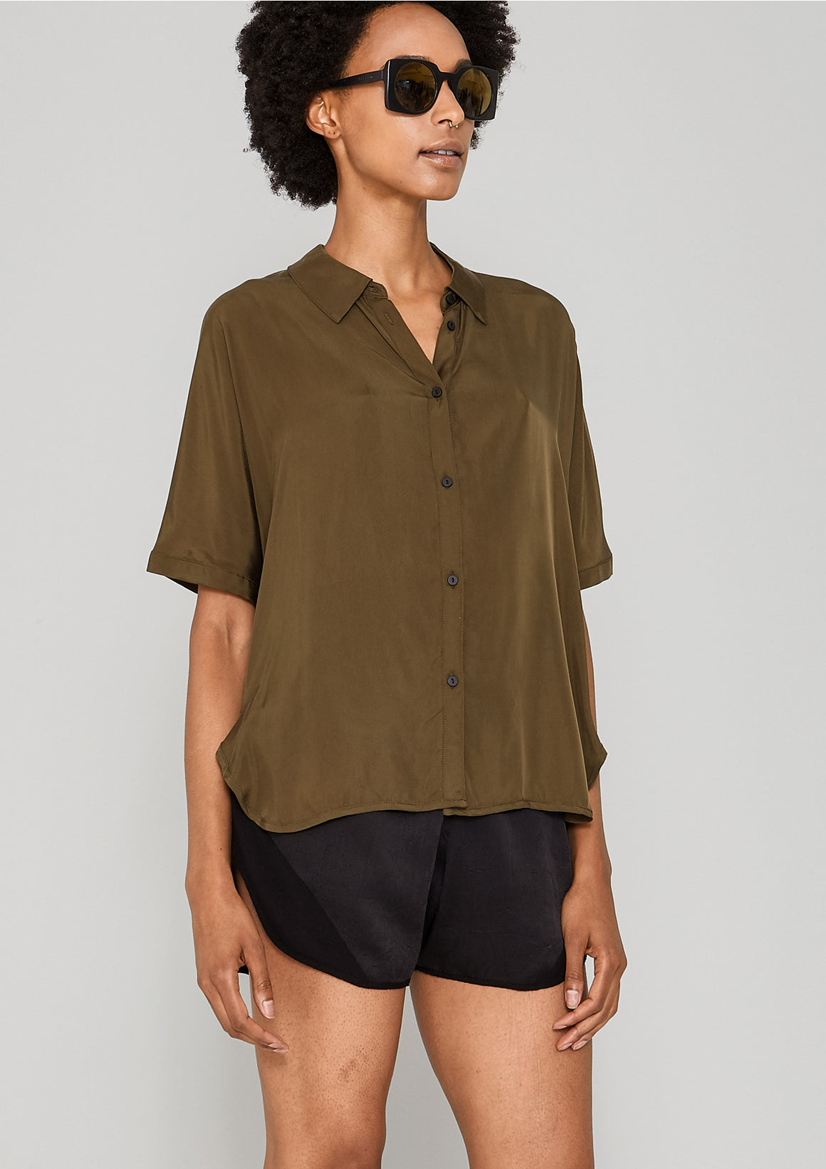 BLOUSE SHORT SLEEVES - SILKY CUPRO khaki - BERENIK