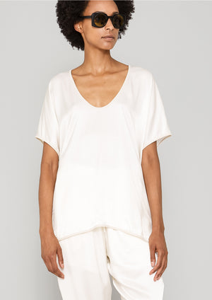 SHIRT SLEEVELESS V-COLLAR - SILKY RAYON SATIN white