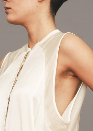BLOUSE SLEEVELESS - SILKY RAYON SATIN white/beige