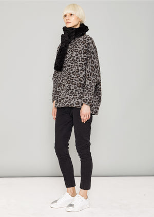 SWEATER POCKETS - WOOL COATING animal print - BERENIK