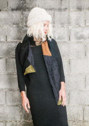 LIMITED EDITION - SCARF TRIANGLE PATCHWORK - khaki/black/print - BERENIK