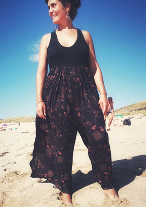 JUMPSUIT WIDE LEGS  - RAYON print rust/black