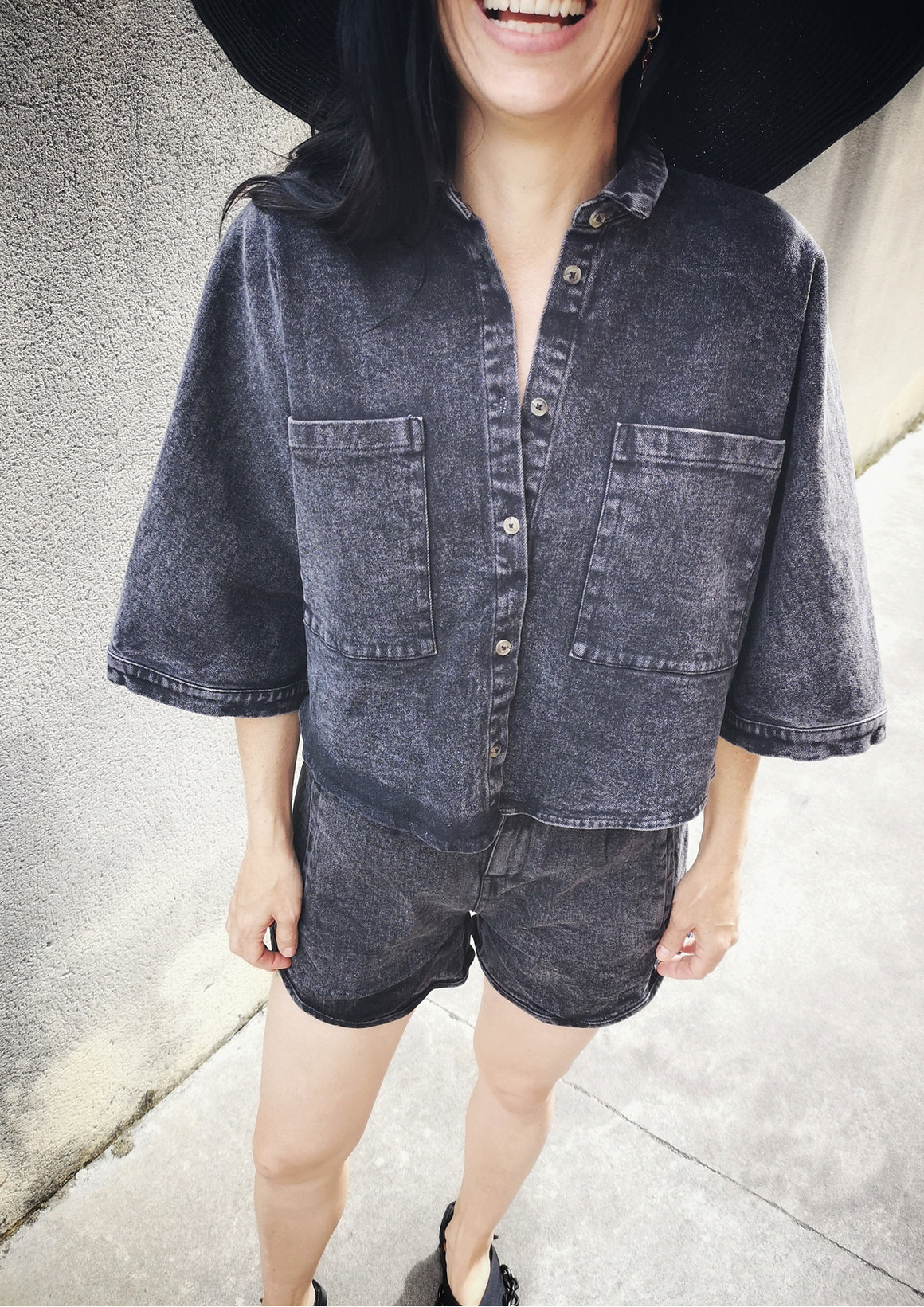 WIDE SUMMER BLOUSE WITH POCKETS - DENIM washed black