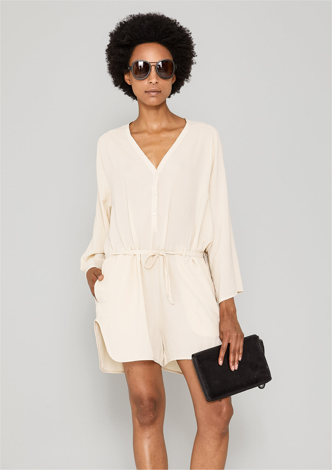 JUMPSUIT SHORT-LOOSE/BELT - creme