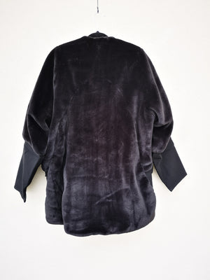 SAMPLE - COAT ZIP FAUX FUR - black