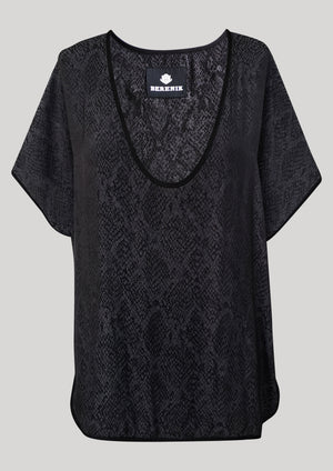 TOP SHORT SLEEVES WIDE - JACQUARD SATIN snake print black/dark grey