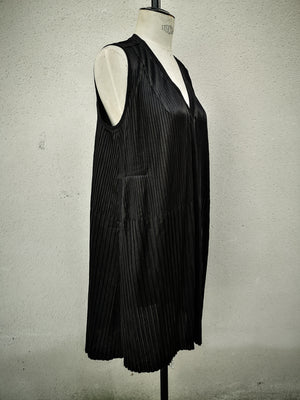 SAMPLE - DRESS V-COLLAR WITH POCKETS - triacetate pleated