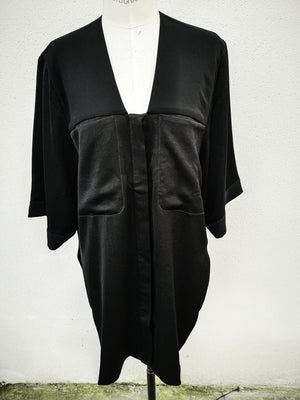 SAMPLE - BLOUSE V-COLLAR WITH POCKETS - black