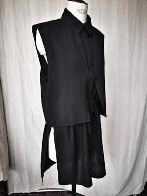 SAMPLE - BLOUSE SLEEVELESS WITH LAPEL AND BELT - black matte