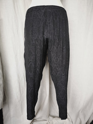 SAMPLE - PANTS LOOSE WITH ELASTIC WAIST AND BELT AND POCKETS - jacquard satin snake black/grey