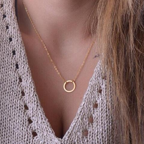The Simple Gold Loop Necklace