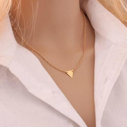The Geometric Triangle Necklace