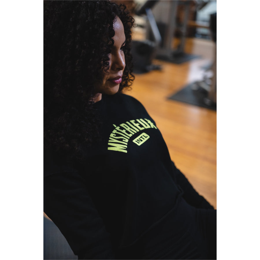 """International"" WMNS Black/Volt Crop Top Crewneck - Mystérieux Brand"
