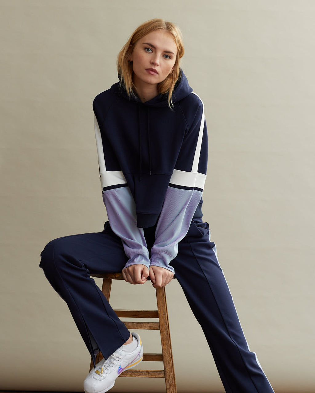 WELLESLEY HOODIE IRIDESCENT PALE BLUE & NAVY COMBO