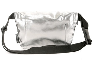 Ultra Slim Fanny Pack In Metallic Silver