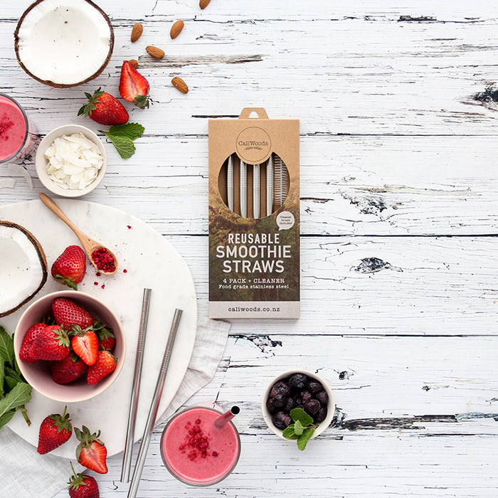 CaliWoods Stainless Steel Smoothie Straws. Made from food grade stainless steel, 0.95mm thick and 22cm long. Pack of 4 and 1 cleaning brush. Perfect for thick smoothies and drinks.