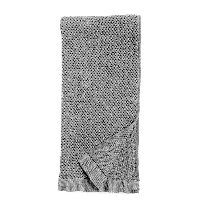 Vintage Waffle Bath Matt is 95% Cotton and 5% Linen. The highly absorbent, fast-drying threads are delicately woven into small plaits which maximise their absorbency and create an incredibly soft towel. Vintage Grey, 58cm x 110cm