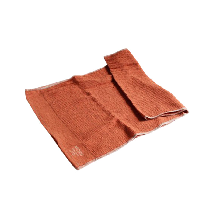 Moku Towel by Kontex is your go to towel for any active or travel situation. 100% Cotton, organic dyes and no palm oil. Highly absorbent, lightweight and quick drying, it wipes sweat away quickly and folds away small so that you can stash it in your bag. Burnt Orange, 33cm x 100cm