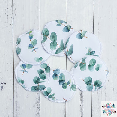Green eucalyptus breast pads