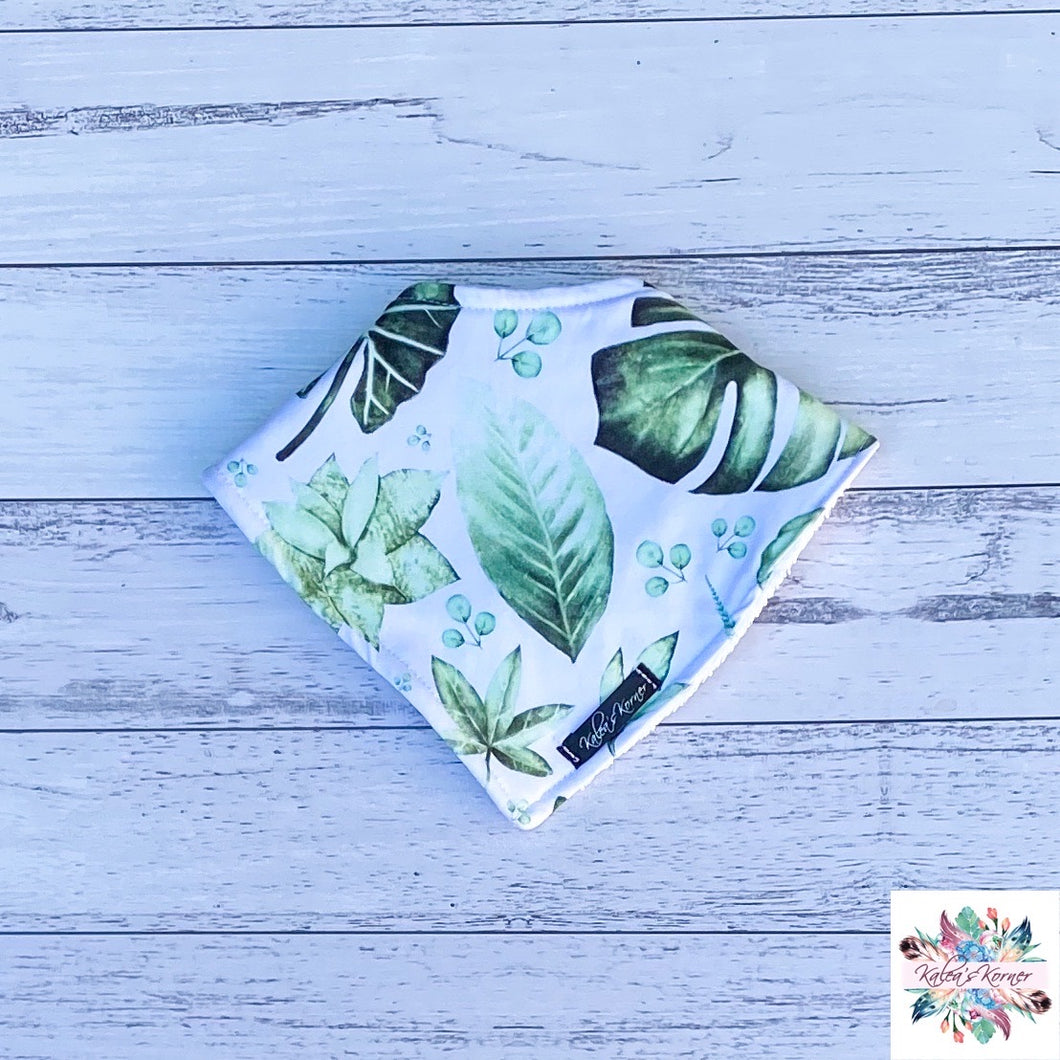 Green leaf Bib