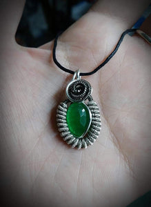 Small pendant with green emerald