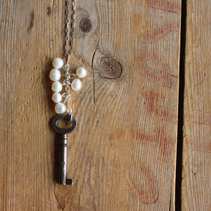Vintage Skeleton Key with Fresh Water Pearls Centre