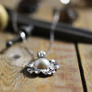 Glass Pearl in Sterling Silver Flower Low Angle