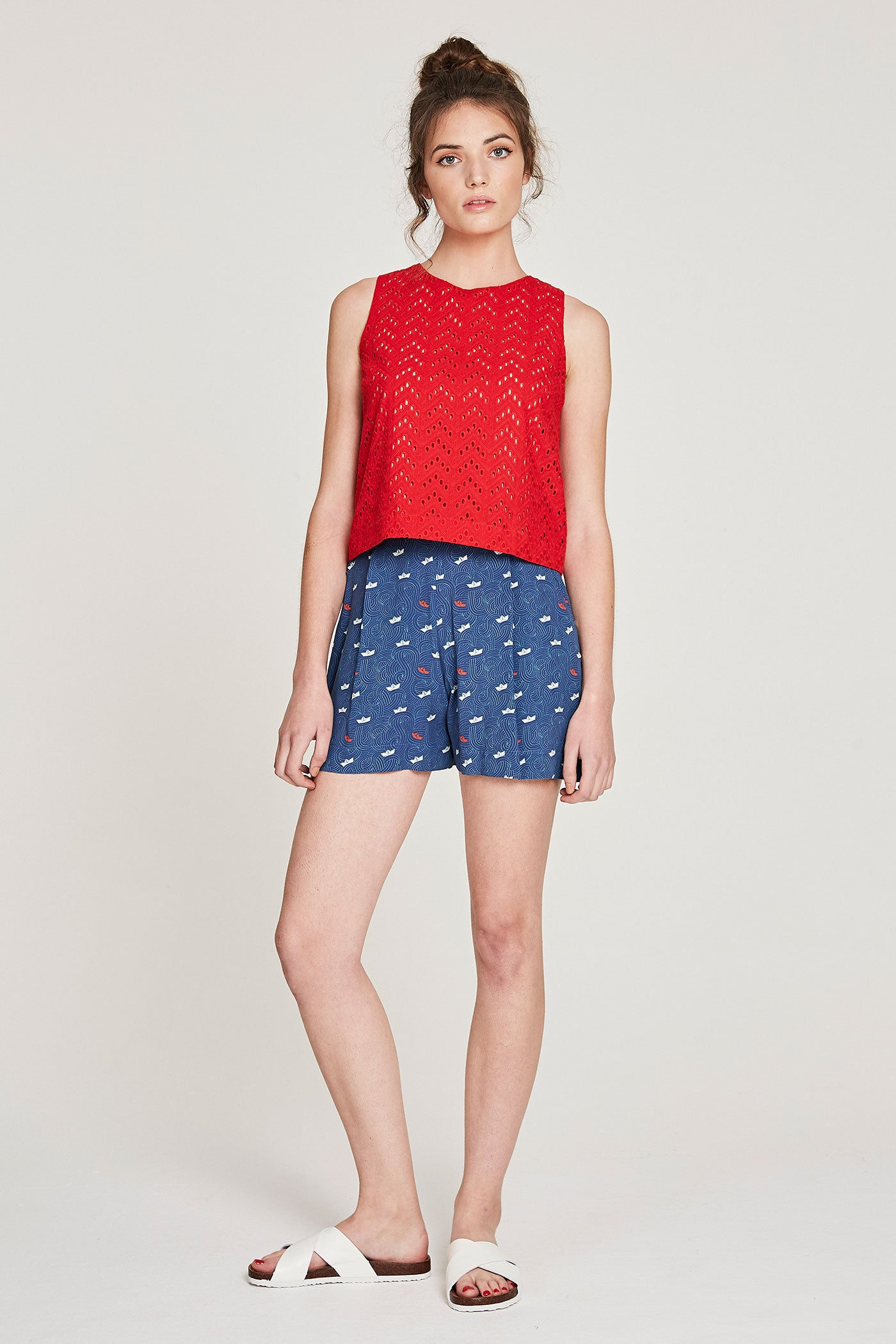 Cropped Keyhole Tank - Red Anglaise