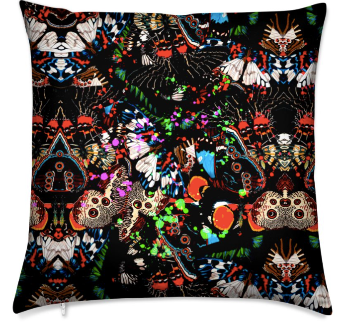 WILD BUTTERFLIES MEDUIM CUSHION - NOIR