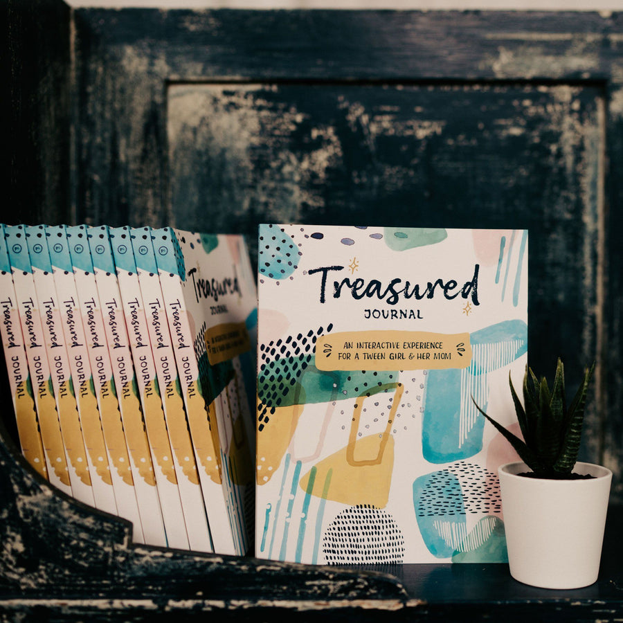 Treasured Journals (Set of 10): A Creative Experience for Moms & Tween Daughters