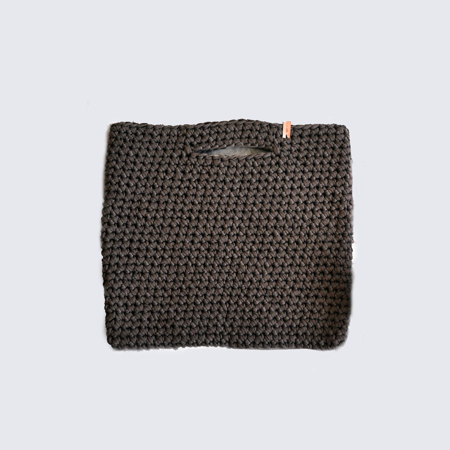 WOOLANDMOON | KNITTED CHARCOAL BAG