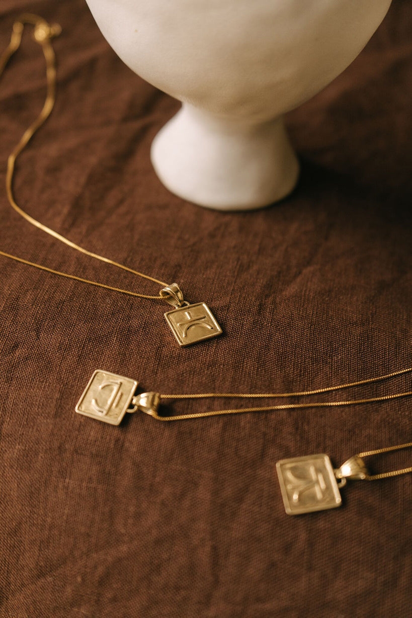 Valores Pendant Gold/Connection