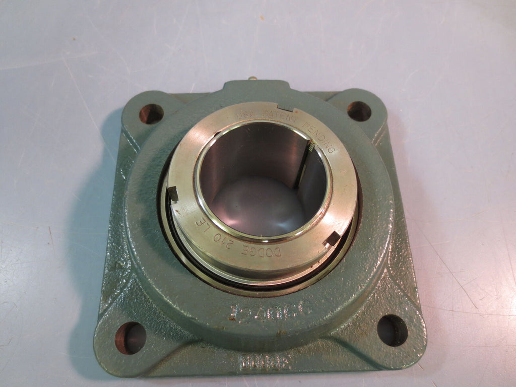 "New DODGE 129663 4 Bolt Flange Bearing 1-15/16"" F4B-GTAH-115"