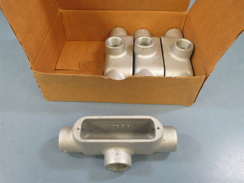 "Cooper Crouse-Hinds T28 Conduit Outlet Body 3/4"" - New"