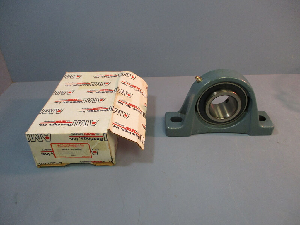 AMI Bearing Pillow Block UCP211 2in DIA NEW