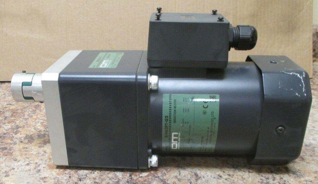 Oriental Motor BHI62FT-G2 Induction Motor 200 Watt with BH6G2-15 Gearbox NWOB