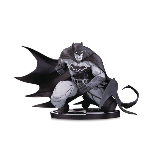 BATMAN BLACK & WHITE STATUE BY JOE MADUREIRA - Toys/Models