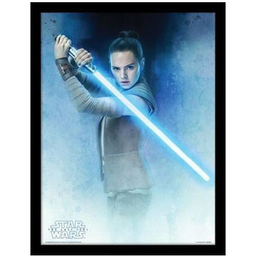 Star Wars Episode VIII Framed Poster Rey Lightsaber Guard 45 x 33 cm - Posters & Wallscrolls Star Wars