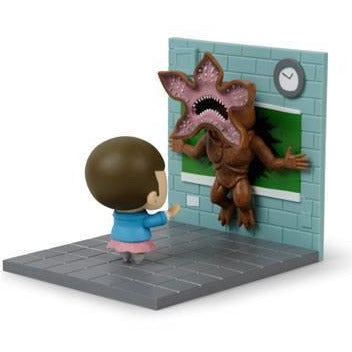 Stranger Things Diorama Eleven vs Demogorgon LC Exclusive 13 x 14 cm --- DAMAGED PACKAGING - Damaged packaging Other
